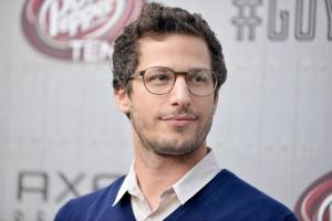 andy-samberg-blue-sweater-9x6