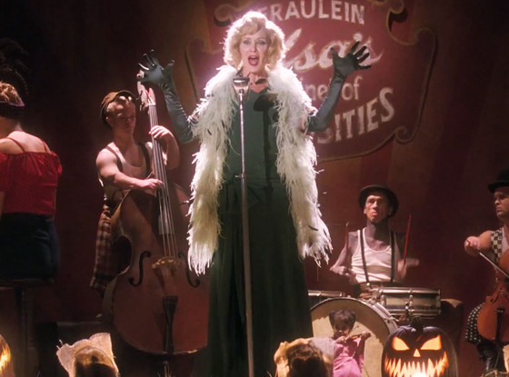 rs_560x415-141001062813-1024.Jessica-Lange-American-Horror-Story-100114_copy